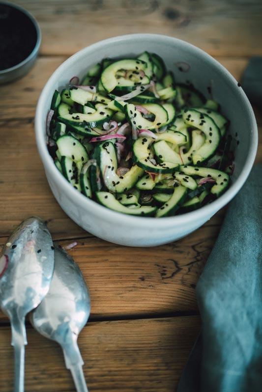 Nina-Hemmen-Kochen-Was-Bleibt-Rezept-Gurkensalat-asiatisch